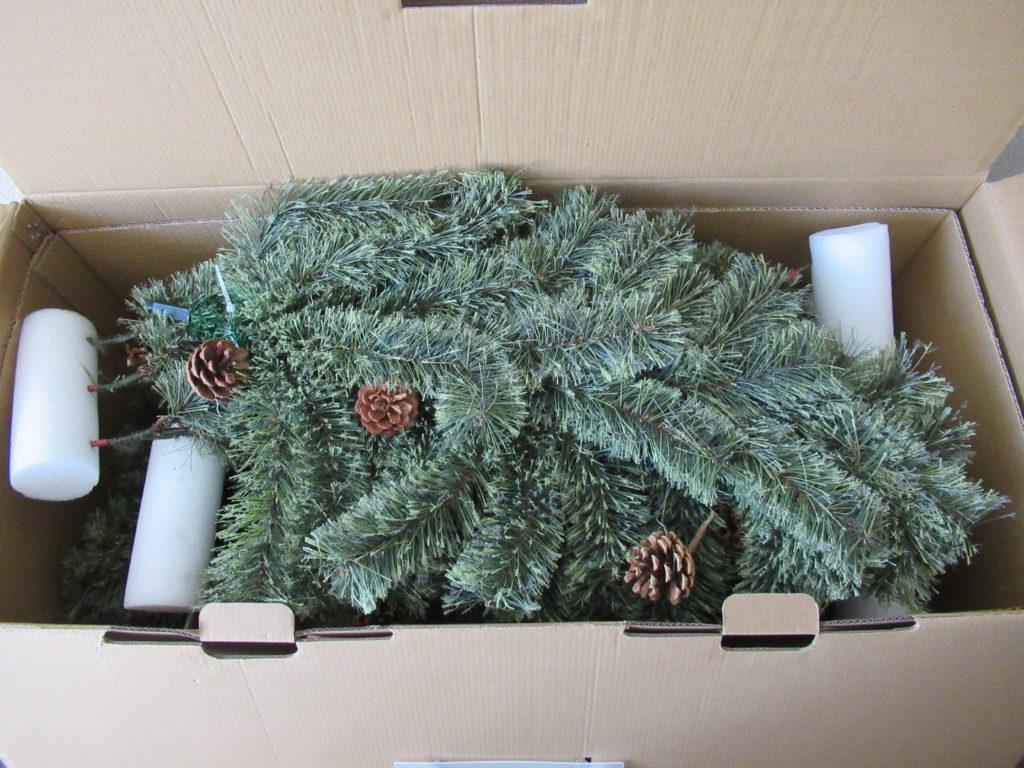 スタジオクリップのクリスマスツリー組み立て前