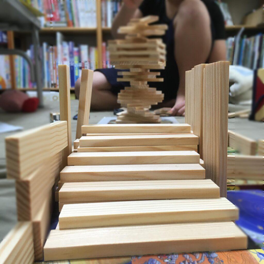 カプラ作品 階段